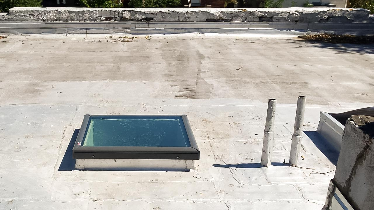 odd curb mounted skylight 21657-1