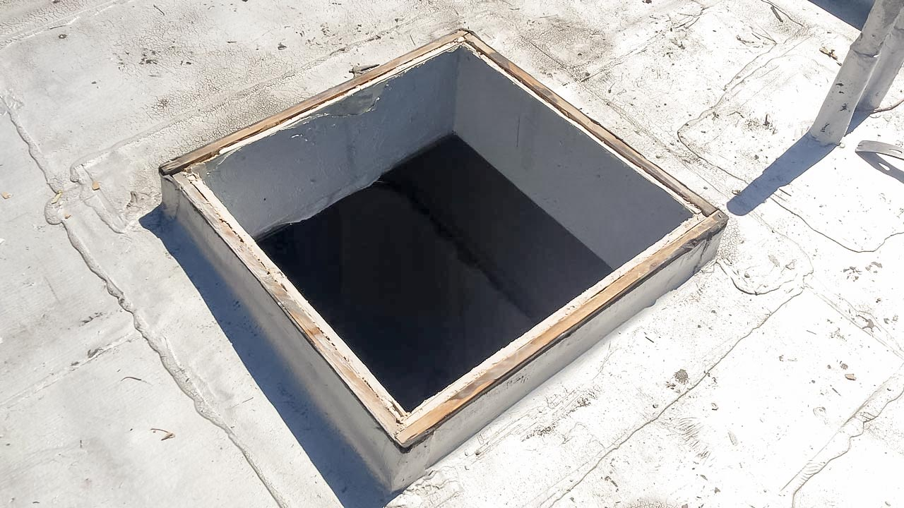 odd curb mounted skylight 21657-3