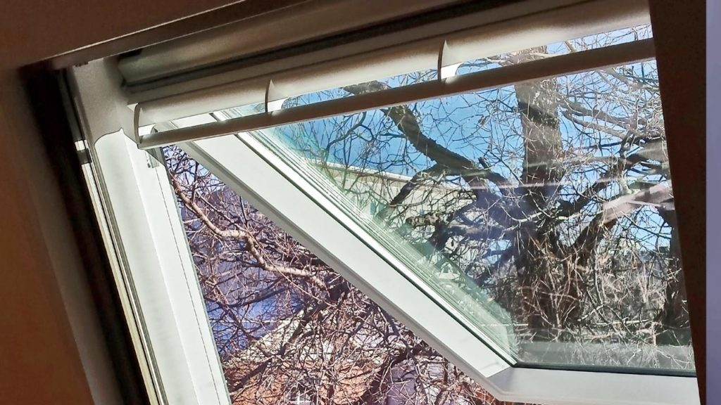 velux gpu roof window 22547-150517e