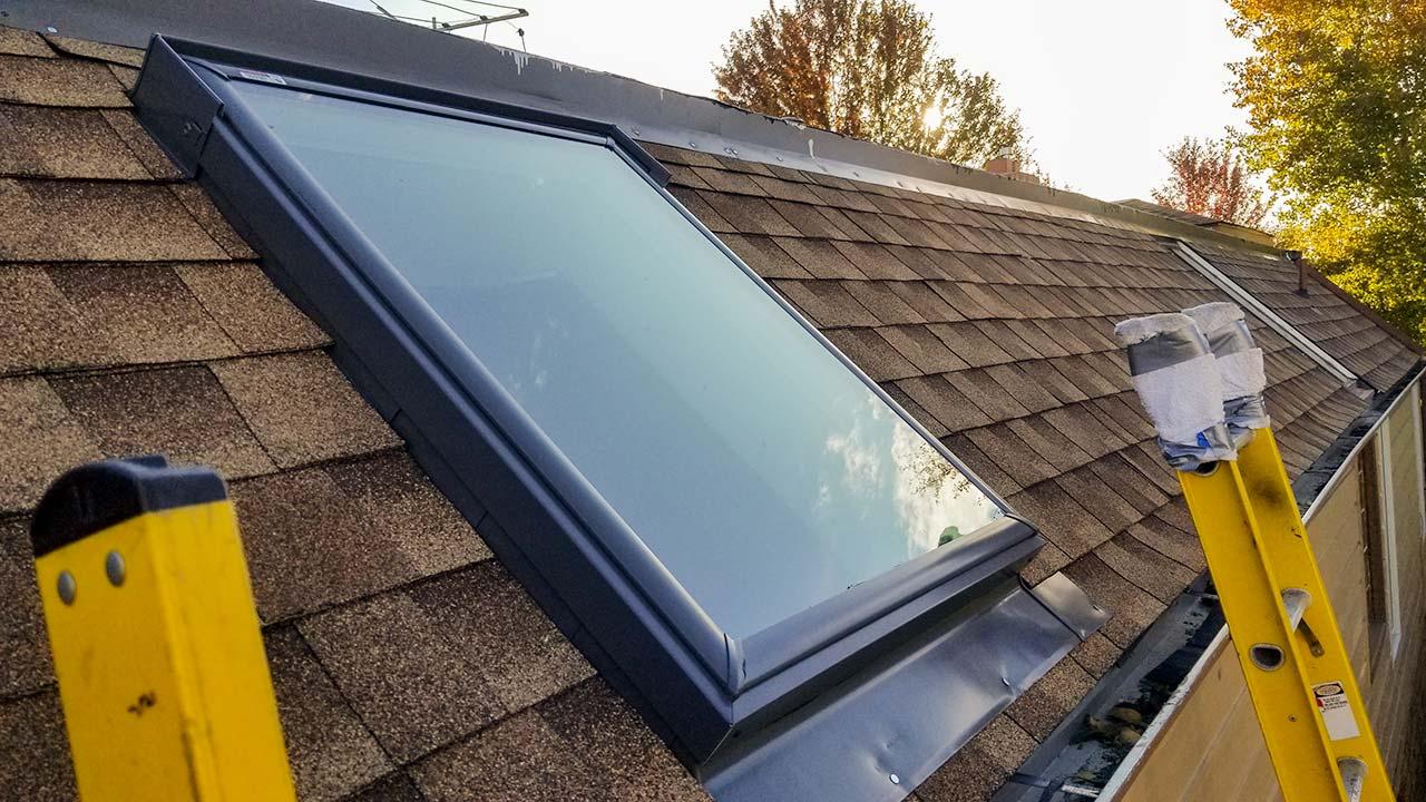 Velux deck mount skylight 6497-171111-2